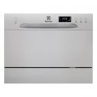 Отдельностоящая посудомоечная машина на 6 комплектов посуды Electrolux ESF2400OS серебристый